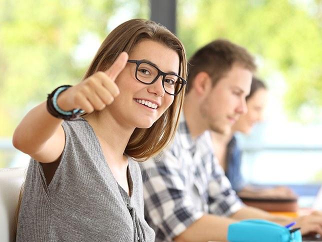 Language Center - Πρόγραμμα σπουδών για εφήβους